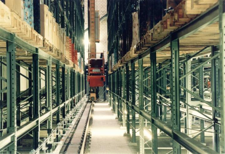 Materialflussleitsystem im vollautomatischen Lager